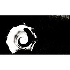 """20 Beğenme, 1 Yorum - Instagram'da Metehan Yelkenci (@metehanyelkenci): """"Metafizik alanın Geometrik Larvası... #lavra#geometri#soyut#tohum #hakikat#açılış#ışık#embriyo…"""""""