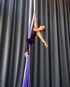 Yet another pathway into Belay! This variation begins from one of Jill's favorite skills . Many of you asked so here it is. Aerial Acrobatics, Aerial Dance, Aerial Hoop, Aerial Arts, Aerial Silks, Silk Dancing, Russian Twist, Pathways, Physique