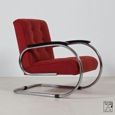 Streamline armchair in the style of the German Modernism. Zeitlos Berlin.