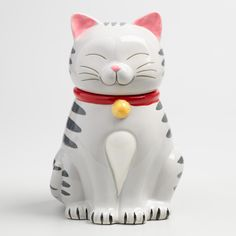 Crafted of ceramic, our exclusive kitty cat treat jar is a whimsical addition to the kitchen counter with an airtight lid to keep your baked goods fresh. Details: - Crafted of stoneware - Airtight gas Cat Cookie Jar, Cat Cookies, Ceramic Cookie Jar, Cookies Et Biscuits, Crazy Cat Lady, Crazy Cats, Antique Cookie Jars, Vintage Cookies, Maneki Neko