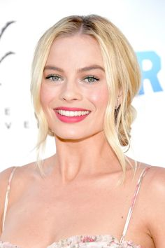 Margot Robbie attends the premiere of Columbia Pictures' 'Peter Rabbit' at The Grove on February 3, 2018 in Los Angeles, California.
