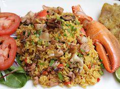 Arroz con Mariscos www.antojandoando.com Healthy Meals To Cook, Easy Healthy Recipes, Vegan Recipes, Cooking Recipes, Healthy Food, Peruvian Cuisine, Peruvian Recipes, Colombian Dishes, Easy Food To Make