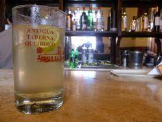 "Bebida típica de ""La antigua taberna Queirolo"". #Chilcano"