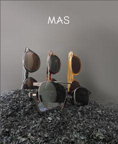 Linea Mas, Modello con Aggiuntivo Solare. MAS 135 - l'Occhiale da Vista si veste da Sole con un solo clic.