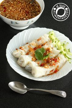 Bánh cuốn chay - Vietnamese Vegetarian Stuffed Rice Rolls from alimentageuse.com