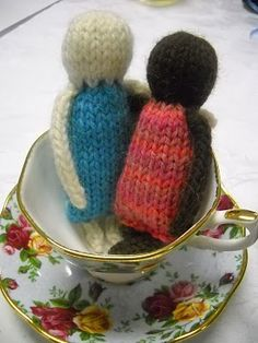 Petite Dolls Free knitting pattern toy baby girl boy photo tutorial gift knit