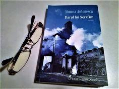 Despre autoare: Simona Antonescu (n.1969, Galați)a debutat cu romanul Fotograful curții regale (2014), pentru care a primit premiul de debut al Editurii Cartea Românească. A mai scris Darul lui Se…