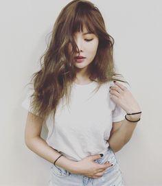 Hyuna - bangs and wavy hair Hyuna Tumblr, Kpop Tumblr, K Pop, Rapper, Hyuna Kim, Beautiful People, Beautiful Women, E Dawn, African Girl