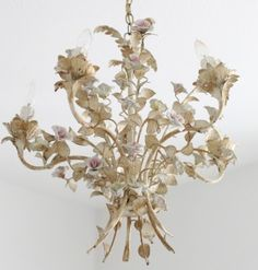 antique french chandelier <3 très beau.