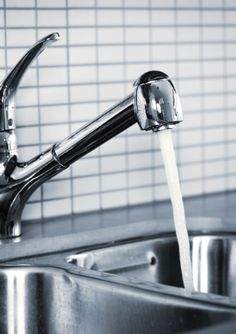 how to keep sink pipes clean