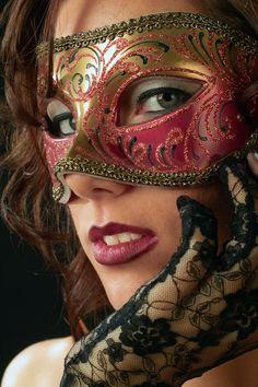 Venetian Mask von Marjelle Love the gloves