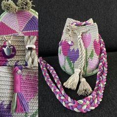 Worki mochilla i wayuu Mochila Crochet, Crochet Tote, Crochet Handbags, Crochet Purses, Knit Or Crochet, Cute Crochet, Crochet Dolls, Crochet Crafts, Crochet Projects