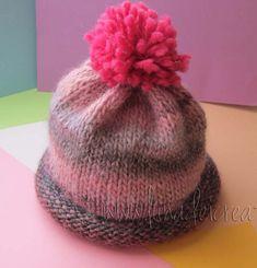 Carino vero??? Crochet Baby, Knit Crochet, Baby Knitting Patterns, Baby Hats, Knitted Hats, Diy And Crafts, Beanie, Wool, Handmade