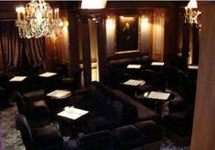 o hotel costes é um dos mais famosos e chiques de paris pela sua mistura de estilos e ambientes.