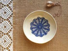 weiße Keramik Schale, Schmuck Schale, Juwelen Aufbewahrung, Ring Schale, romantisches Geschenk, Mitbringsel, Snack Schale, Kerzen Halter von ceralonata auf Etsy