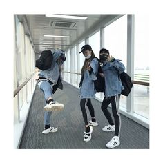 Find images and videos about friends, korean and ulzzang on We Heart It - the app to get lost in what you love. Ulzzang Girl Fashion, Ulzzang Korean Girl, Moda Ulzzang, Korean Best Friends, Korean Couple, Best Friend Pictures, Cute Friends, Grunge Style, Asian Fashion