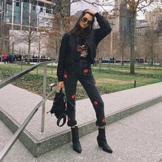 "Gizele Oliveira on Instagram: ""#throwbackthursday from that one cold day ☃ #streetstyle #nyc #"""