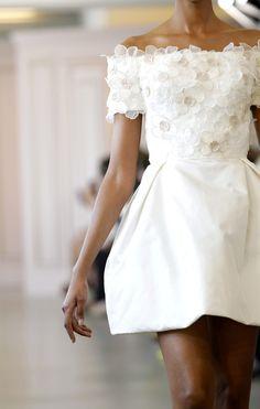 oscar de la renta wedding gown robe de mariée