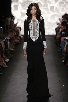 Naeem Khan RTW Spring 2015 - Slideshow - Runway, Fashion Week, Fashion Shows Asian Fashion, Hijab Fashion, Runway Fashion, Fashion Show, Fashion Spring, Indian Inspired Fashion, Fashion 2015, London Fashion, Fashion Women