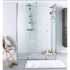"Alterna ""PureDay"" skylvedør i glass Salle De Bain, Design Awards, Bathroom Mirror, Round Mirror Bathroom, Bathroom, Sweet Home, Red Dot Design, Bathtub, Douche"