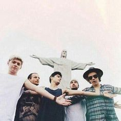 Shared by direction. Find images and videos about one direction, niall horan and louis tomlinson on We Heart It - the app to get lost in what you love. One Direction 2015, One Direction Brasil, One Direction Images, One Direction Wallpaper, Pne Direction, Nicole Scherzinger, Liam Payne, Niall E Harry, Foto One