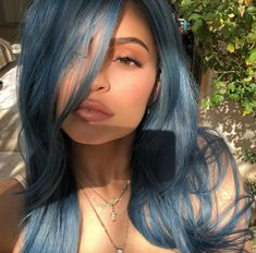 Kylie Jenner Shows Off Latest Coachella Look – Denim Blue Hair! Mode Kylie Jenner, Looks Kylie Jenner, Estilo Kylie Jenner, Kylie Jenner Coachella, Kylie Jenner Instagram, Kyle Jenner, Cheveux Manic Panic, Pennywise Wig, Denim Blue Hair