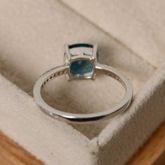 10feb0db7569 Anillo topacio azul de Londres piedra preciosa azul cojín Piedra Preciosa  Azul
