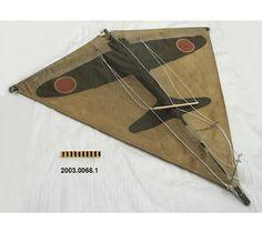 Cerf-volant des États-Unis, fait en 1940, une cible pour la marine américaine avec un avion. #DeLaCollection du @MuseeAvEspace