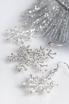 Fragile beauty of the snowflakes can be reproduced by Czech crystal silver lined seed beads . These small snow beauties will adorn your...