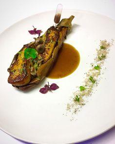 Aubergine Rôti / variété de champignons ragout (shimeji-shiitake-King huître-Porto bello) / foie gras sauce poele / poivre noir / sel fumé