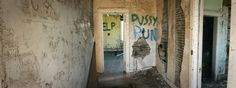 A wide shot of an abandoned house. Near Foam Lake, Saskatchewan [3000x1120] [OC]