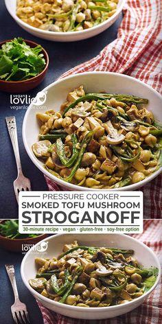 One Pot Smoked Tofu Mushroom Stroganoff with Green Beans - Tofu Bowl Rezepte Tofu Recipes, Delicious Vegan Recipes, Vegetarian Recipes, Healthy Recipes, Vegan Stroganoff, Mushroom Stroganoff, Mushroom Recipes, Cheap Vegan Meals, Vegan Recipes