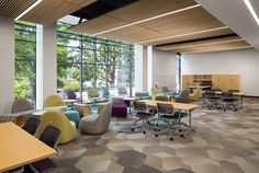 University of South Carolina|Russell House| Leadership & Service Center - Bevel hexagon tile / Shaw Contract Group