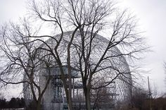 The Biosphère (Montreal, Richard Buckminster Fuller Richard Buckminster Fuller, Shell Structure, Interior Architecture, Interior Design, Great Thinkers, Dome Homes, Geodesic Dome, Beautiful Buildings, Bucky