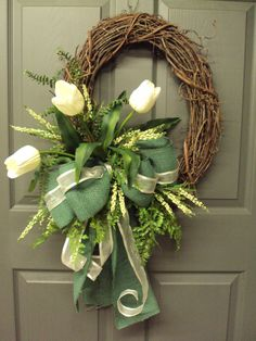 Cream Tulip Wreath Spring Wreath Summer Wreath by PeriwinkleSilks~ would be pretty for St. Patrick's Day/Early Spring