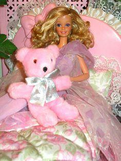 Dream Time Barbie - named Glenda 1980s Barbie, Baby Barbie, Vintage Barbie Dolls, Mattel Barbie, Childhood Toys, Childhood Memories, Barbie Dream, Barbie Collection, Barbie Friends