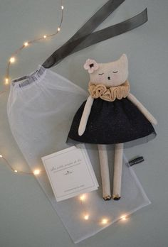 PDF sewing pattern for Blank Cat Doll for crafting 37 Diy Cat Toys, Tiny Dolls, Soft Dolls, Sewing Toys, Baby Sewing, Fabric Toys, Fabric Crafts, Diy Jouet Pour Chat, Muñeca Diy