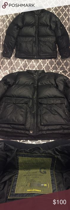 Gap Superior Quality Puff Black Coat Mens coat - used lightly. In great condition heavy and puffy coat! Fantastic for the winter! Shell & Lining: 109% Polyester/ Filler: Down & Feathers 50% Down / 50% Feathers GAP Jackets & Coats Puffers