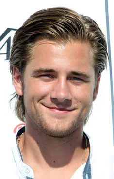 Luke Benward - I'm so in love him, have been since forever too. Puberty was definitely good to him too. He's just so cute and sweet, and hot, and adorable. Not to mention that smile, oh the things it does to me and he can sing what a beautiful voice he has as well.