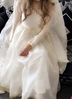Asian Wedding Dress Pakistani, Pakistani Fashion Party Wear, Desi Wedding Dresses, Pakistani Dresses Casual, Pakistani Dress Design, Indian Wedding Outfits, Princess Wedding Dresses, Nikkah Dress, Shadi Dresses