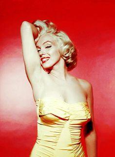 Marilyn Monroephotographed byNick de Morgoli, 1953