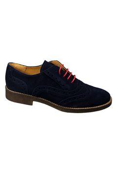 Zapato Valecuatro picado color azul marino. Zapatos de serraje colección Otoño Invierno mujer.