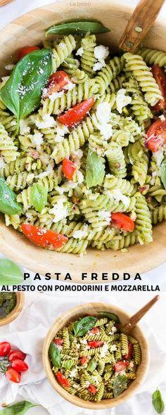 Cold pasta with pesto with cherry tomatoes and mozzarella - Festa estiva Pasta Al Pesto, Pasta Salad, Pasta Recipes, Cooking Recipes, Healthy Recipes, Mozzarella, Cold Pasta, Bistro, Cherry Tomatoes