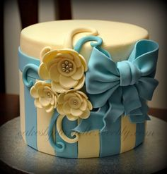 Flowers and Bows  Cake by CBD hat boxes, smash cakes, cake flowers, flower cakes, blue cake, decorative boxes, bow, 25th birthday, birthday cakes