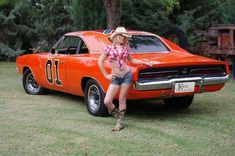 The General Lee & a new Daisy Duke