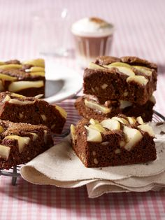 Need a recipe for a delicious brownies? Try this quick chocolate pecan nut brownies recipe for a delicious baked treat today. Stork – love to bake. Nutella Recipes, Brownie Recipes, Baking Recipes, Dessert Recipes, Desserts, Nutella Cake, Pecan Nuts, Chocolate Delight, Cupcakes