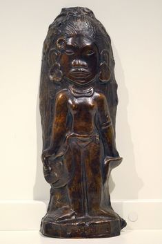 La Hina Tahitian bronze by Gauguin. Paul Gauguin, Bronze Sculpture, Wood Sculpture, Gauguin Tahiti, Lost Art, Sacred Art, Native Art, French Artists, Les Oeuvres