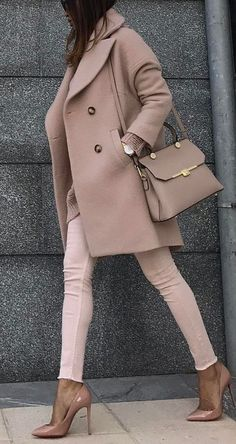 nude paletes outfit : coat + bag + skinnies + heels