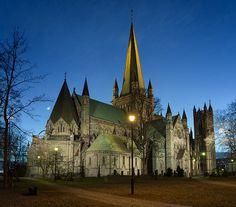 Nidaros Dom in Trondheim - prachtige kathedraal en tevens eindpunt van het pelgrimspad dat dwars door Noorwegen loopt.