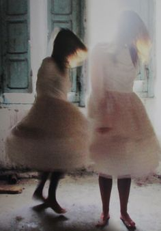 """""""Visioni"""" opera di Francesca e Daniela Manca."""